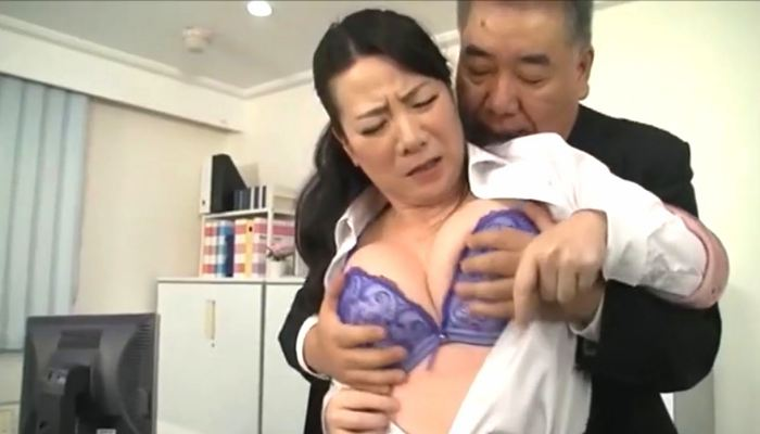 熟女OL上司とセックス